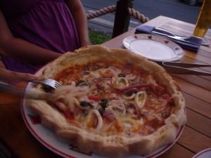 P1140409 300x225 Ada Volcano Pizza di PAPA'S LIMONCELLO – KUTA BALI